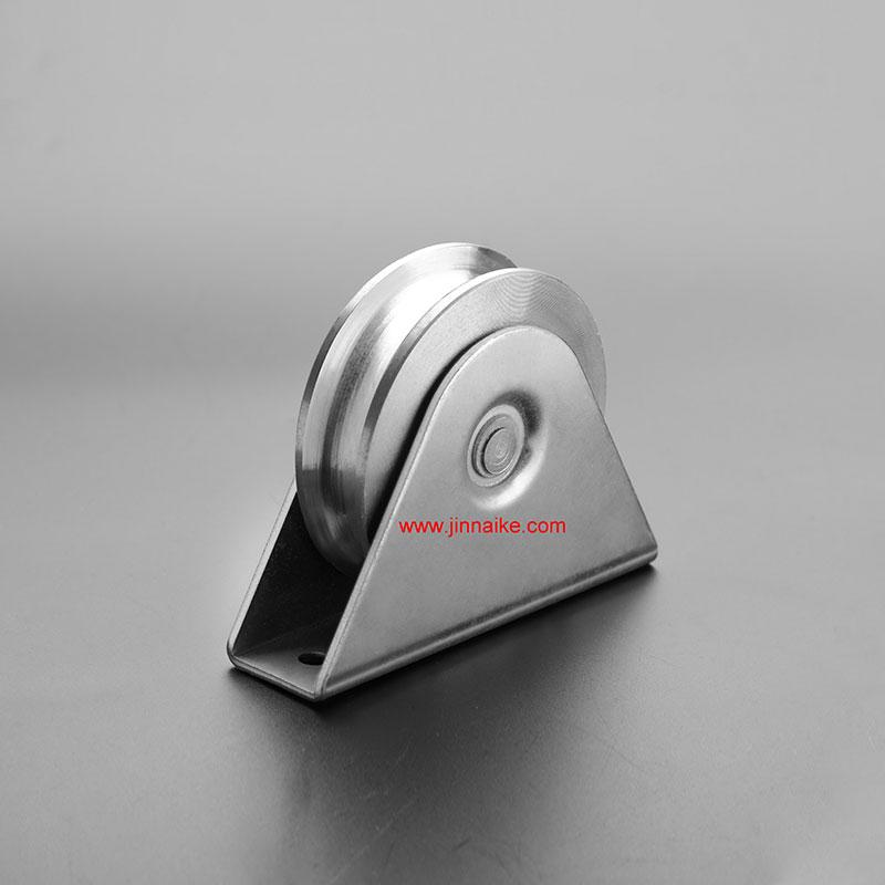 Rodillo de puerta corrediza de hierro con soporte exterior